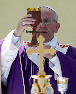 pope francis wooden chalice