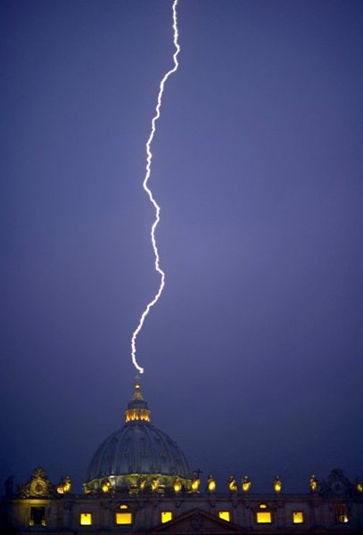 lightning vatican holy see st peter